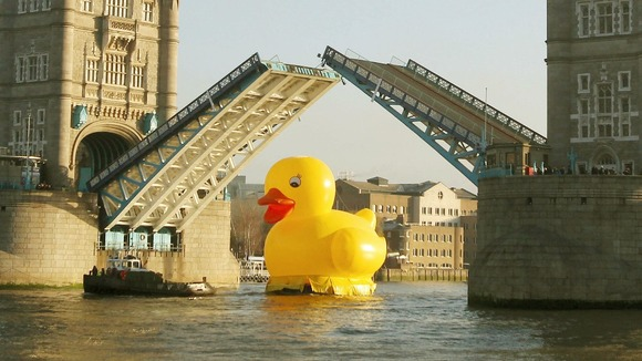 a 50 foot rubber bath toy at the tower of London